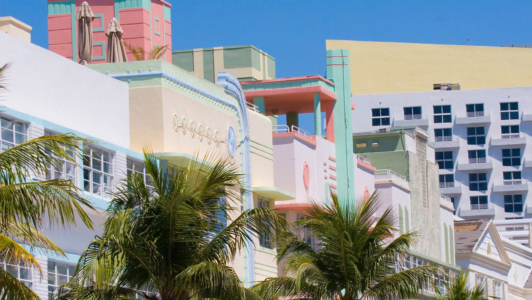 Location In The Sun Hotels On Collins Ave South Beach